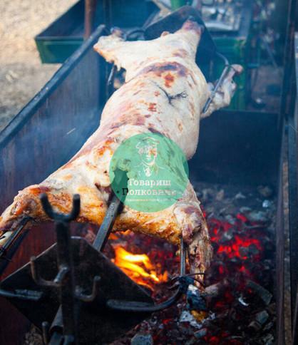 Баран на вертеле на заказ, как пожарить барана на вертеле, рецепт мариновки барана